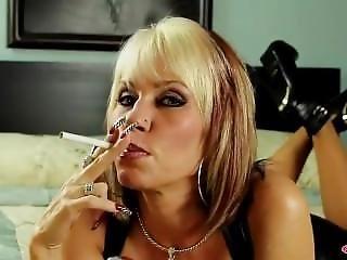 Britânica, Realidade, Sexy, Fumar, Provocar