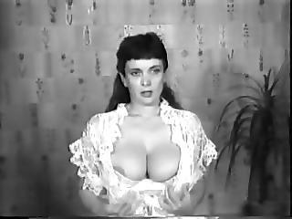 Cbt Big Tits Classic Retro Vintage 50s Black And White Nodol2