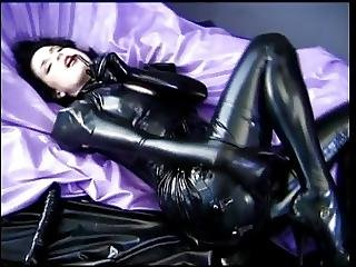 Girl Showing Of In Rubber Outfit?p=7&ref=index