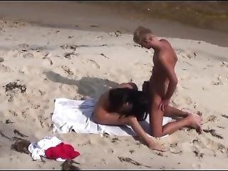 Best.on.a.beach-008.avi
