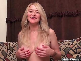 America S Sexiest Milfs Part 22