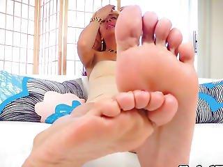 Glam Footloving Lady-man Rubbing Oil On Feet