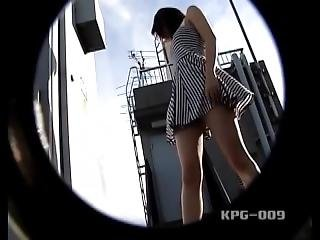 Sexy Asian Mature Dress Goes Up While The Wind Blows ! Enjoy Windy Upskirt!