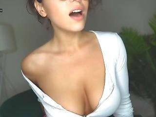 Webcam - Seductive Brunette Teases Slowly
