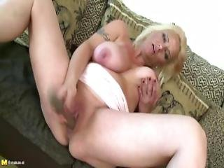 Slutty Ma With Fat Saggy Boobies And Very Hungry Pothole