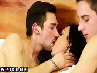Bisexual Hunk Gets Rimjob