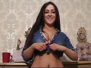 23 yo arabic girl cumming for me on skype 6