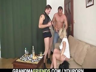 trio, blonde, grand-mère, mamie, hardcore, mature, vieux, orgie, réalité, sexe, jeune