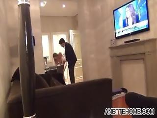 Nue Devant Le Serveur Roomservice Dans Un Hotel En Cam Direct