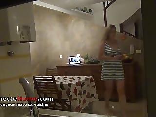 Camera Cachee Devant Ma Fenetre De Cuisine Pour Voyeurs