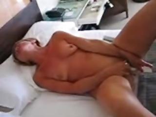 Masturbée En Pensant à Vos Belles Queues Dressées