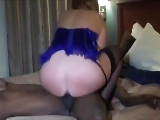 Amateur Older Milf With A Fat Cunt Rides Black Dick