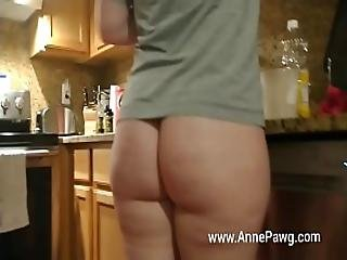 Pawg Cooking With No Pants On