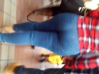 Super!! Huge!! Blonde Latina Booty In Tight! Jeans Walking It Out My Gawd!!