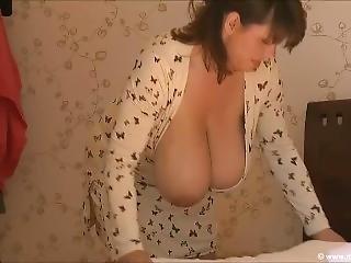Gross Titte, Brünette, Promi, Fetisch, Solo