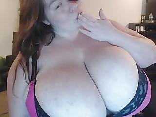 Ssbbw Lexxxi Luxe Poses And Strips For Webcam Fans