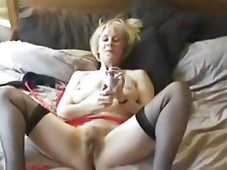 British Mature Milf Wanks Herself Off