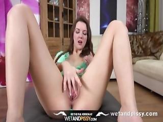 Hd Pissing Brunette Rebeca Kubi Pees Over The Floor After Wetting Denims