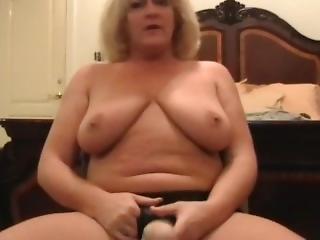 Eve Doing Strapon Cam Sex