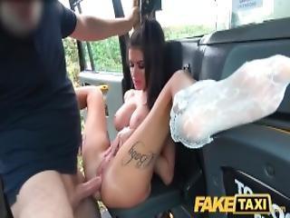 amateur, anal, pipe, poitrine généreuse, bite, milf, publique, réalité, sexe, tatouage, taxi, étroite