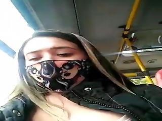 Se Masturba En Bus