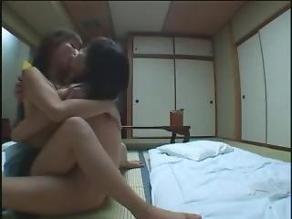 Lesbian Trip With Deep Kiss ???? (?????,????)