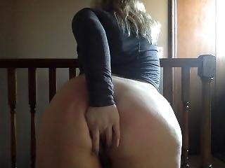 Fat Ass Teen Cums Quickly Before Practice