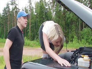 I Fucked Her Finally Sweet Blonde Tries To Fix The Car