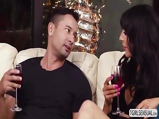 Tranny Hot Slut Chanel Santini Seduces A Hunk Dude For Anal Fuck