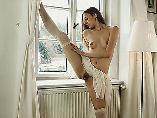 Slim Ballerina Undresses Down And Practices Her Moves In The Naked