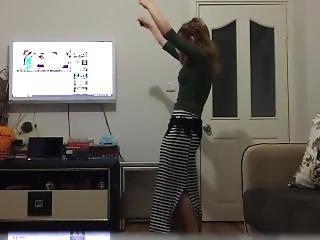 Dilara Kacmaz Dance At Home