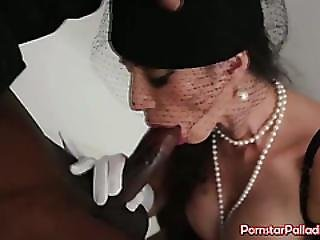 Enjoy Watching Black Widow Blowjob
