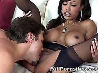 Ebony Noel Receives Some Blowjob Pleasure