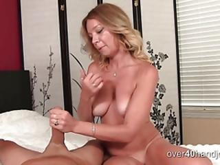 Blonde Knows How To Give A Good Hand To Her Clients