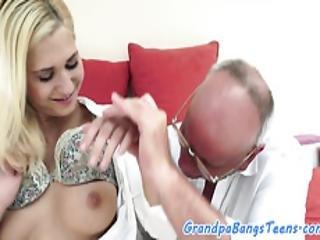 Amateur Babe Passionately Cockriding Grandpa