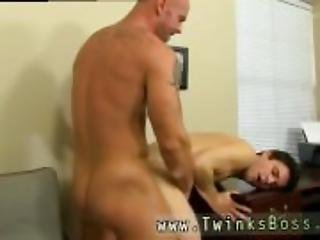 Guy gets naked jacks off xxx gay ass finger