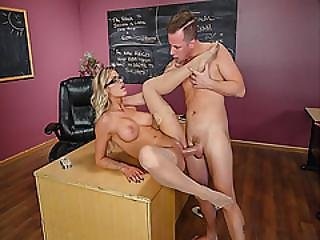 Jessy Jones Screwing Jessa Rhodes Shaved Pussy So Hard