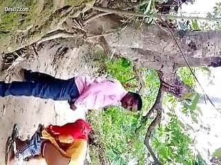 Desi Gf And Bf Have Sex In The Jungle