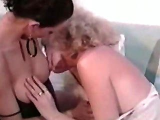 Hermaphrodite Shemale W Cunt Fucks A Girl