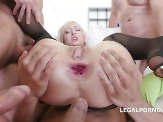 Dap Destination For Lola Shine. She Arrives To Prague And She Gets Dapped For The First Time Gio199