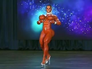 Sexy Bimbo Musculosa Asiatica Culturista