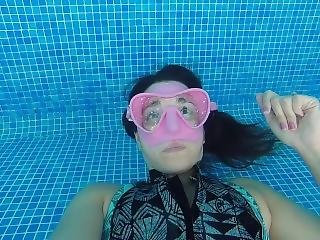Underwater Breath Hold