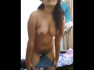 Super Sexy Girl Showing Her Nude