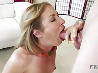 Sweet Cheerleader Having Throat Deeply Throated
