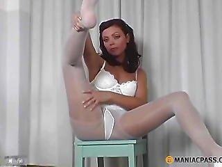 Jerking Off Her Nice-looking Legs