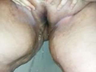 bbw pissing in shower