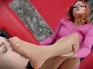 Piedi Padrona Sniffing Nylon Feet Smelling Footjob Handjob Sisters Girls