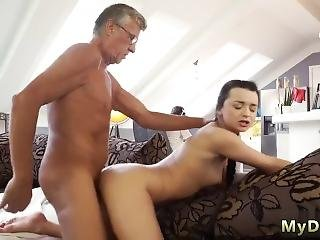 Daisy Daddy Xxx What Would You Choose - Computer Or Your Girlduddy?