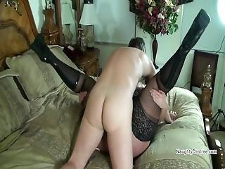 Pawg Spreads Her Legs For An Incoming Fuck