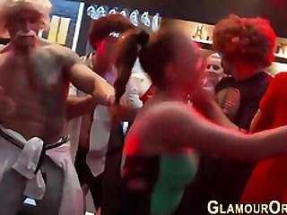 Glam Hottie Eats Pussy